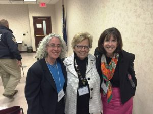 smallloretta_weinberg_margot_hirsch_with_rabbi_faith_joy_dantowitz_at_smart_gun_conference